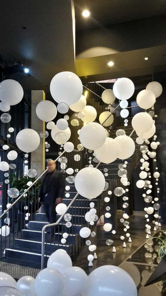 Organic Bubble Strand Balloons for Entrance Decor.
