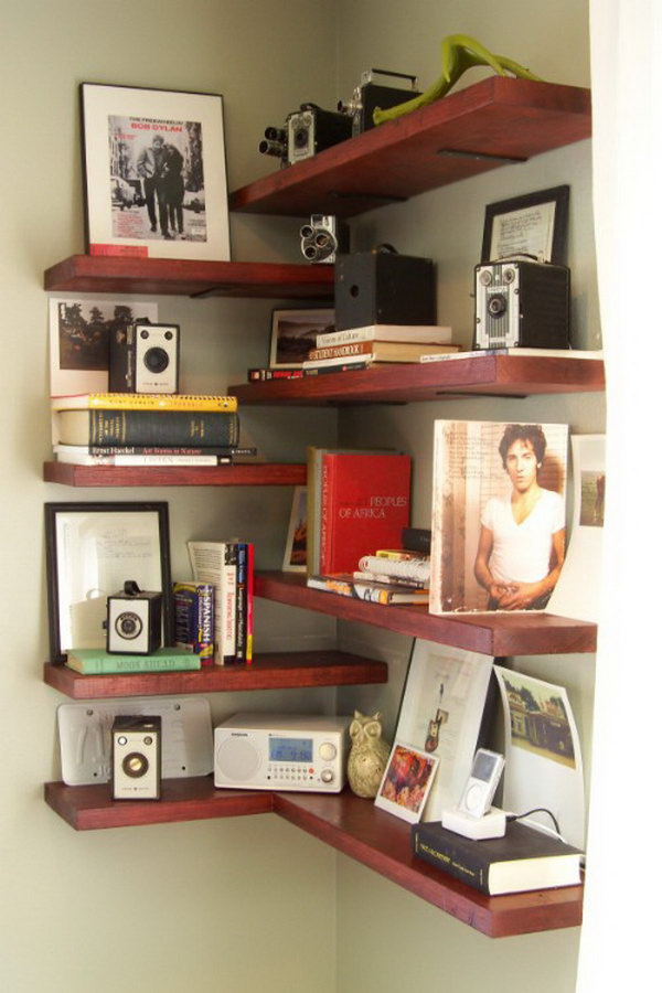 DIY Corner Shelves. What a creative idea to use every square inch of your space by creatinf these easy and stylish floating wood shelves!