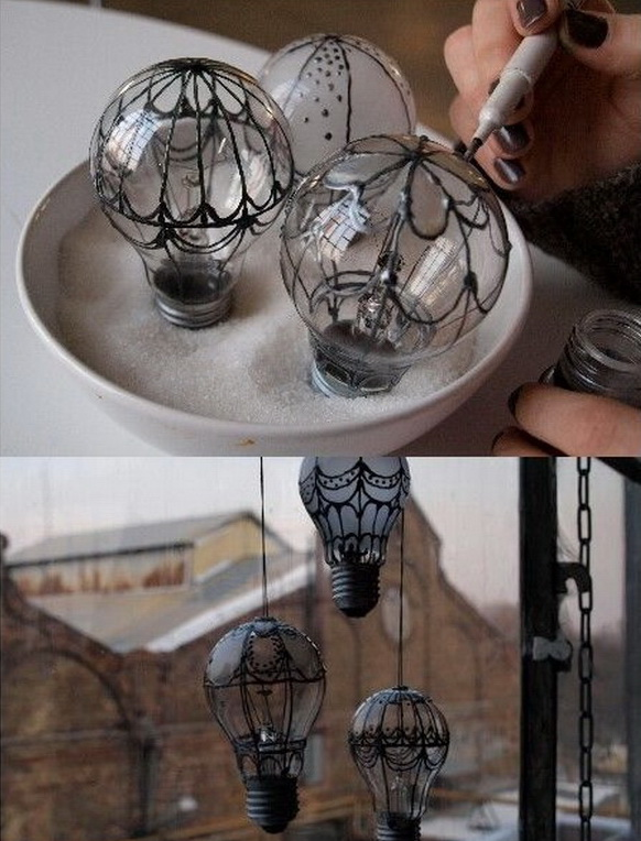 Light Bulbs Decoration for Halloween. An awesome decoration idea using old light bulbs for this Halloween.