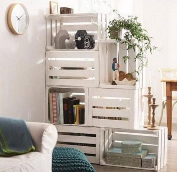 Stylish Wood Crates Shelf System. Make a set of chic shelf system with the old wood crates and a little paints!