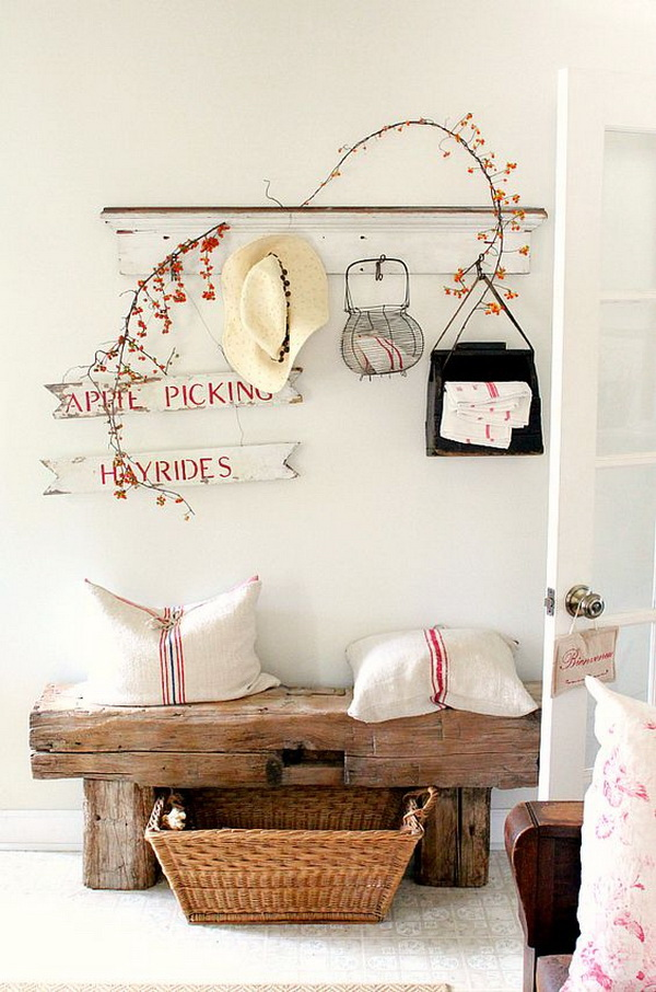 Cute and sweet shabby chic entryway.