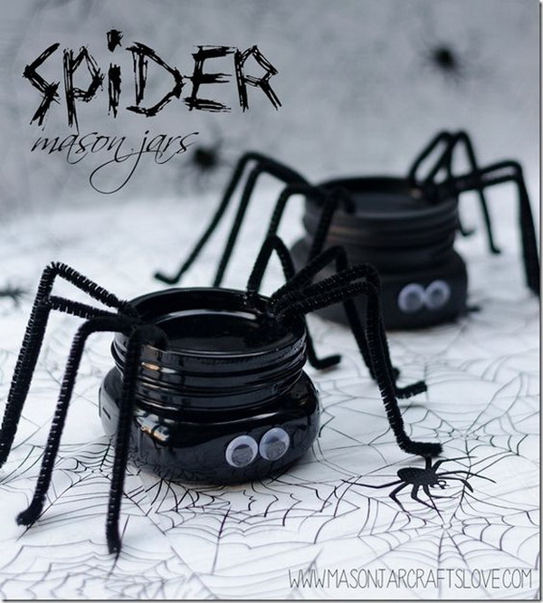 DIY Spider Mason Jars for Halloween.