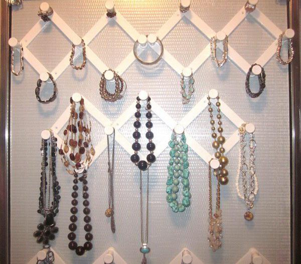 Elegant Accordion Hooks For Jewelry Organizing