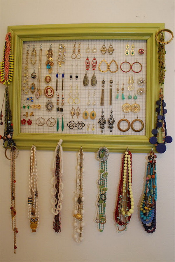 30 brilliant diy jewelry storage display ideas for creative juice photo frame with chicken wire lying around for jewelry organizer solutioingenieria Image collections