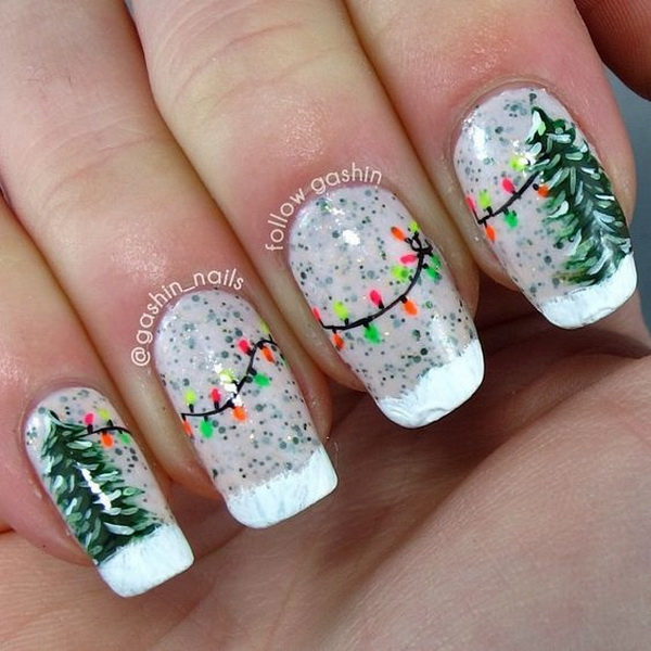 Green Christmas Tree and String Lights Manicure.