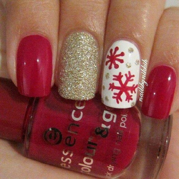 Snowflake Christmas Nails.
