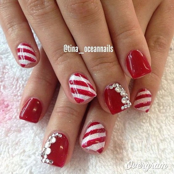 Red and white Christmas Nail Art.