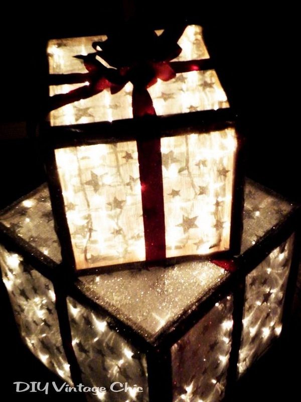 Lighted Christmas Presents for Outdoors. Make these DIY lighted Christmas presents for indoors or as outdoor yard decorations.