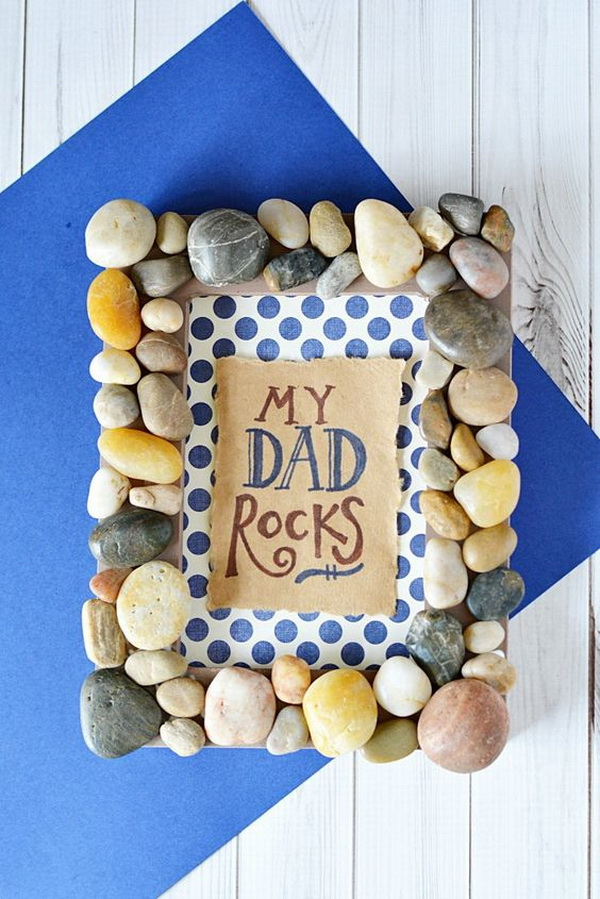 DIY My Dad Rocks Photo Frame. This My Dad Rocks frame can be made with all suppies from your local dollar store. The perfect and budget friendly DIY Father's Day Gift that your dad could proudly display on his desk at work.