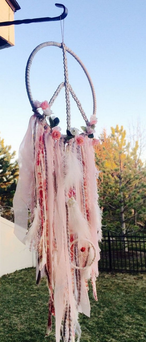 Scraps Dreamcatcher. A way to use up all those fabric scraps by making this amazing handmade piece!