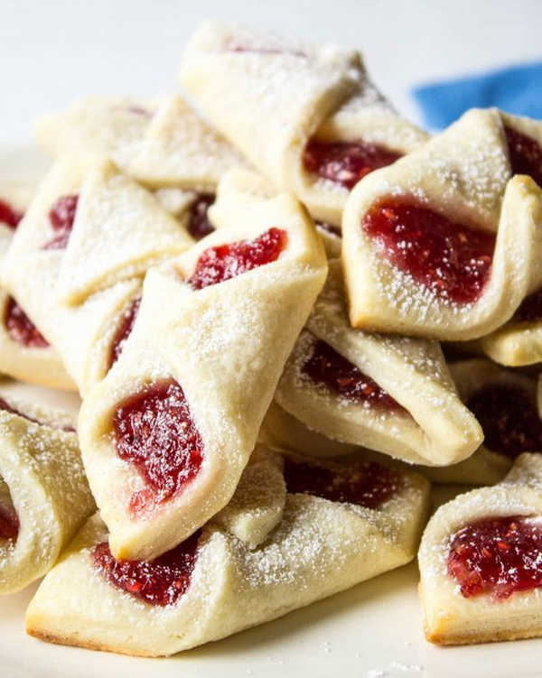 Quick and Easy Christmas Treat Ideas: Raspberry Bow Tie Cookies.