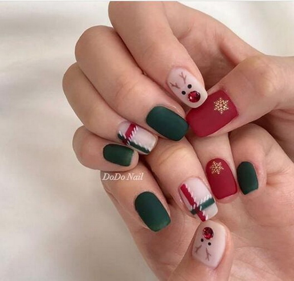 50+ Joyful Christmas Nail Designs. These 50+ ideas from Instagram's mani maestros that are guaranteed to get you in the holiday spirit.