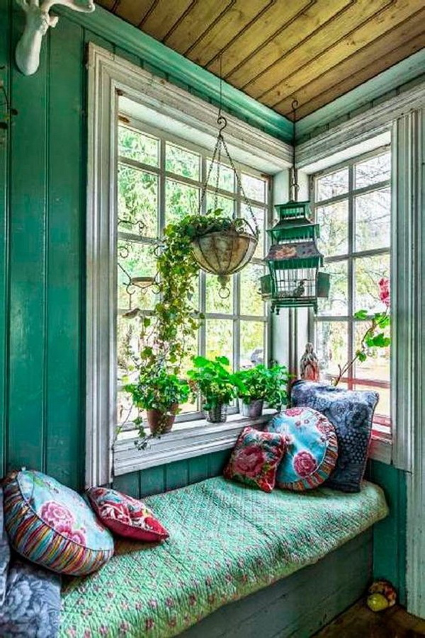 Bohemian style kitchen decorating.