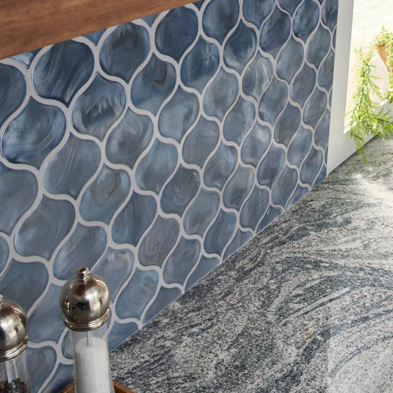 applying glass tile backsplash diy