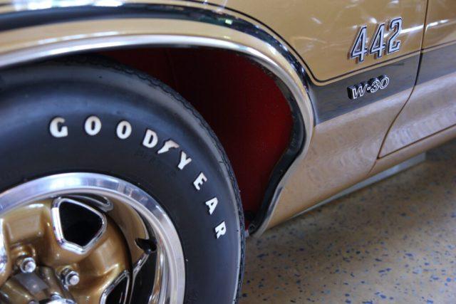 Word of Classics Bilmuseum Oldsmobile 442 W30 Coupe 1970. FordMustangMagazine