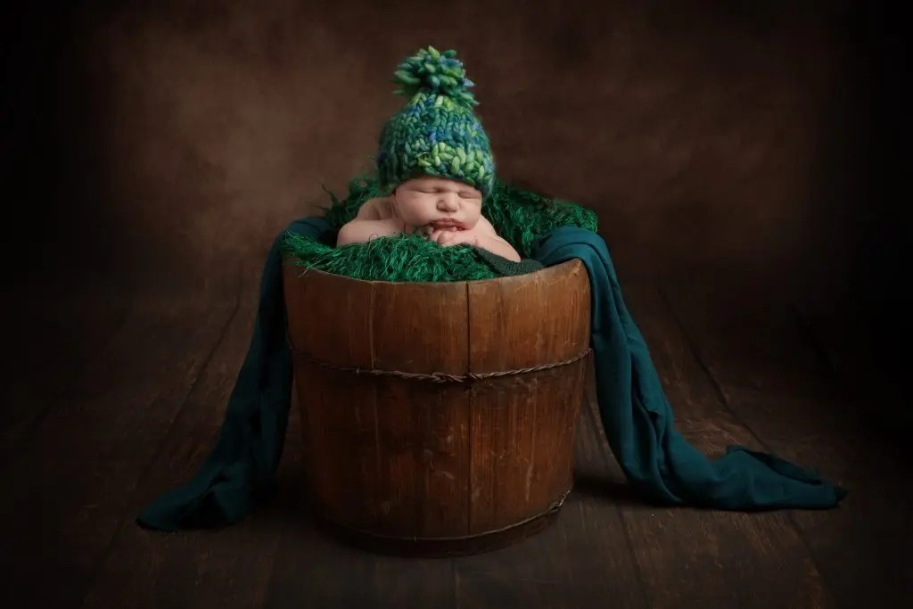 newborn posed photography
