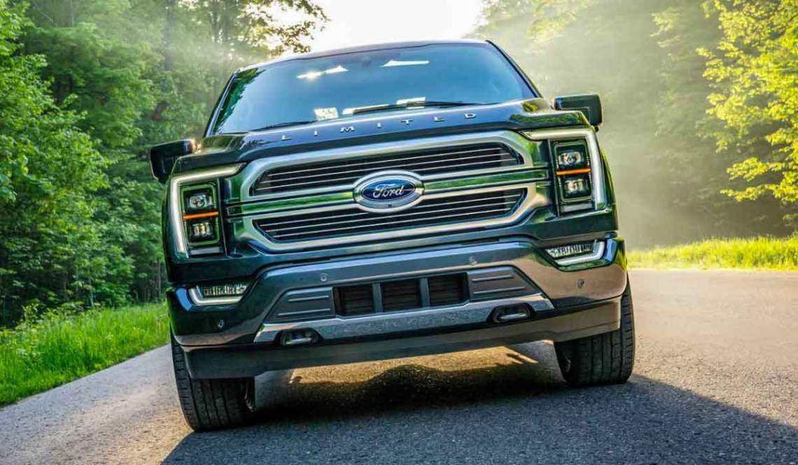 2022 Ford F150 Raptor has a 3.5L EcoBoost V6 that doesn't match up to Hellcat powered Ram TRX. 2022 Ford F-150 Raptor R is a different