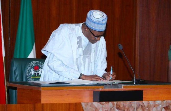 Buhari Finally Okays N30,000 New Minimum Wage