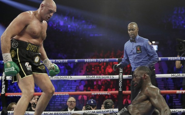 Heavyweight Boxing: Deontay Wilder Taken To Hospital