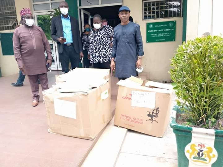 COVID-19: NUJ FCT Donates 150 Protective Suits To Abuja Resident Doctors