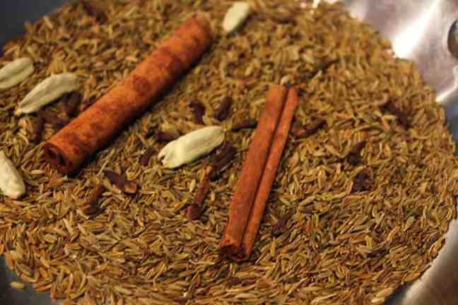 Garam Masala ingredients dry roasting