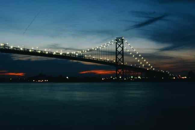 bridge to windsor, canada