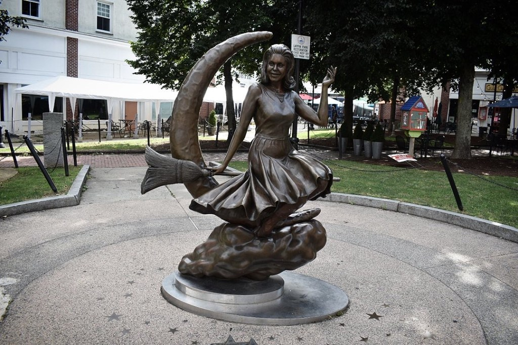 A statue dedicated to the ficticious witch Samantha Stevens from the 1960s TV comedy Bewitched 1