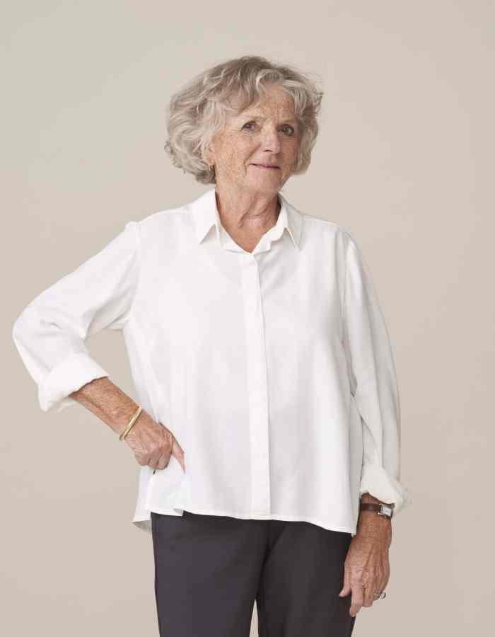 vêtement élégant et adapté aux seniors dépendants habillage facilité
