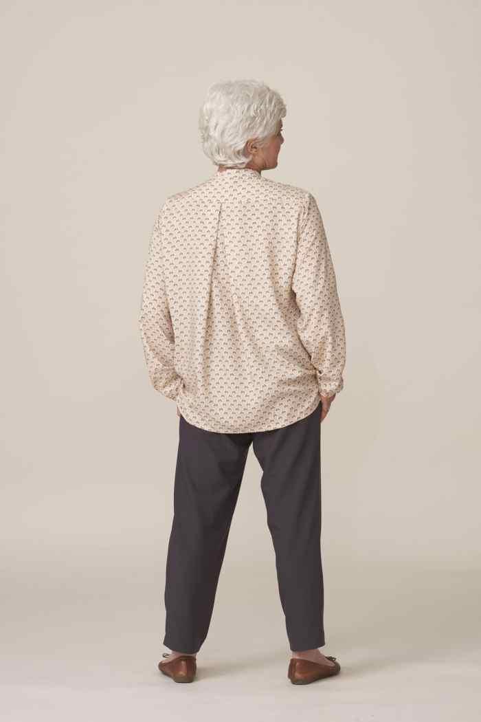vêtements faciles à enfiler et élégants pour seniors