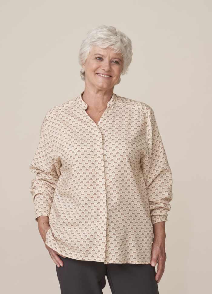 blouse femme senior chic et moderne facile à fermer