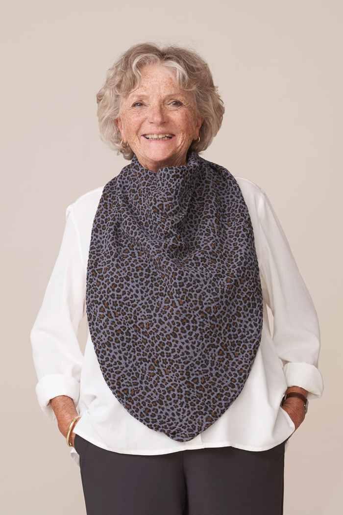 forestime vetement senior bavoir adulte foulard de table imprimé léopard flore
