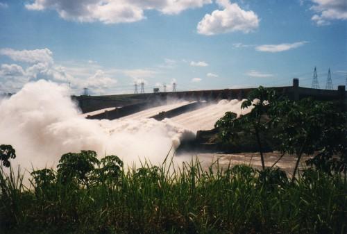 80% de la electricidad que se consume en Brasil procede de hidroeléctricas.  David Holt