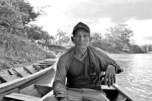 Jorge Ríos Pacaya, productor de Ucayali, Perú, quien colabora con la investigación de CIFOR. Foto Aoife Bennett-Curry.
