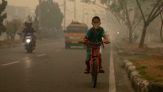 EU strikes palm oil blow, kids bunk off for their future, air pollution worse than smoking