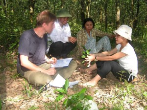 It is important to listen to the voices of different groups of actors and generate high quality and useful science. Photo: Imam Basuki/CIFOR