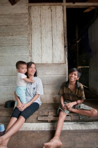 Traditionally egalitarian gender norms in East Kalimantan have begun to change in recent decades. This changes the lives of women... Photo: Moses Caesar/CIFOR