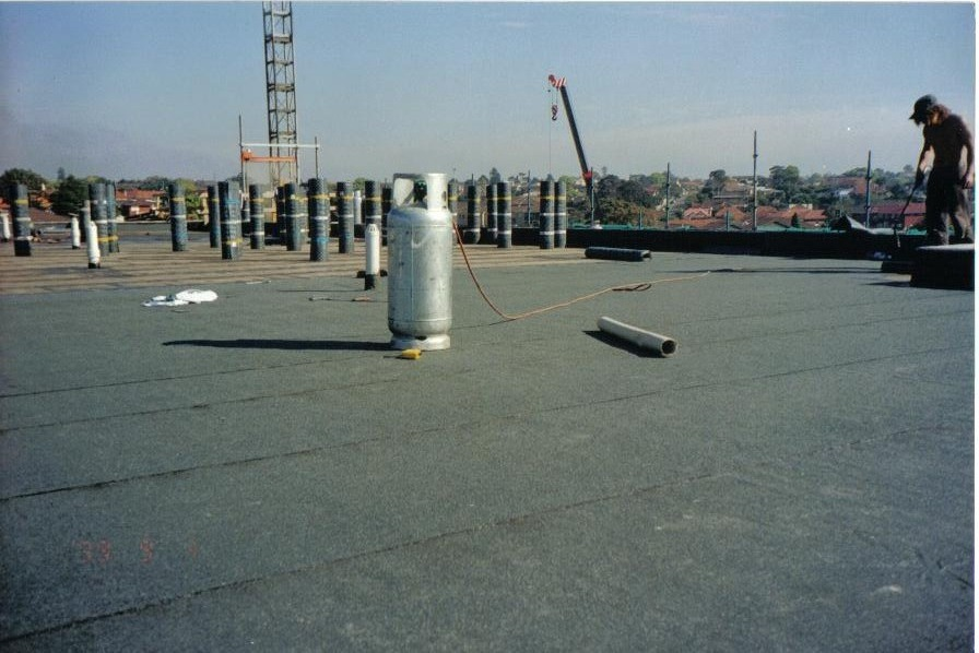 Flat roof torch-on