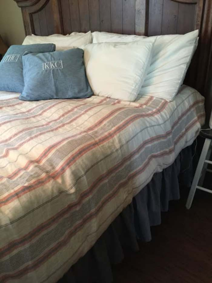 The Perfect Pop for Neutral Bedding