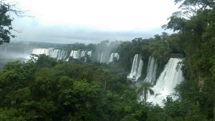 iguazu-waterfall-brazil-argentina-travel-guide