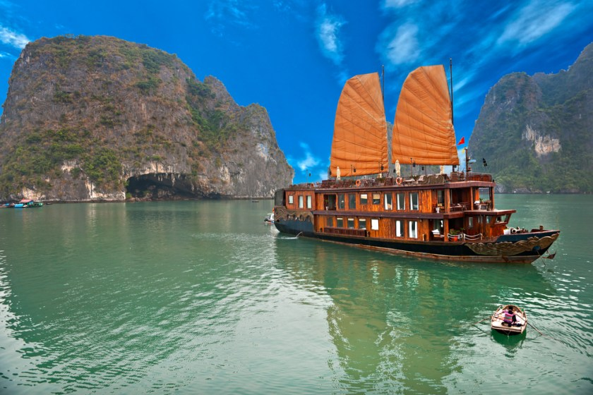 junk-halong bay-vietnam-ha long-