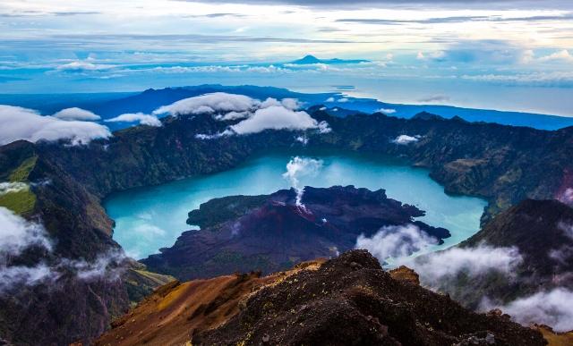 mount rinjani-lombok-travel-paradise