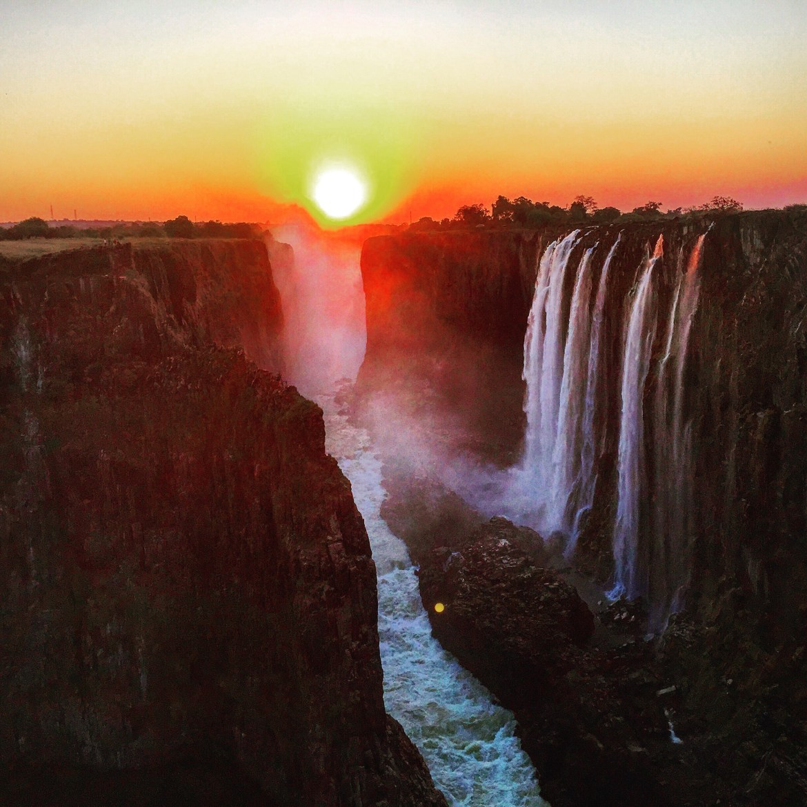 waterfall-falls-victoria-sunset-travel-backpacking