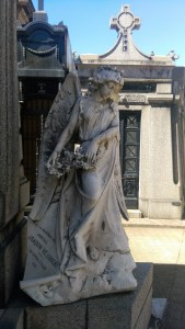 cemetery-buenos-aires-travel