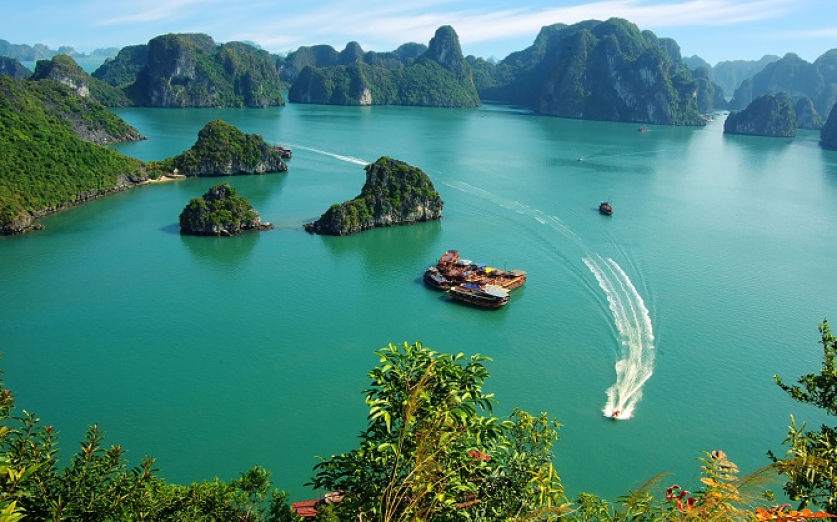 halong bay-cat ba-island-vietnam