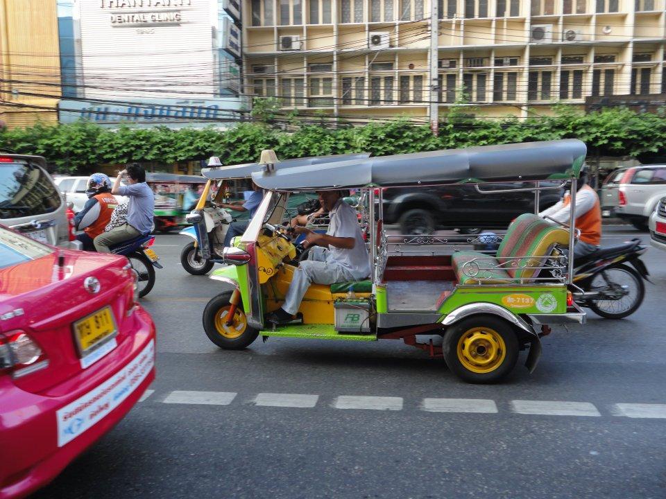 tuk-tuk-bangkok-thailand-asia