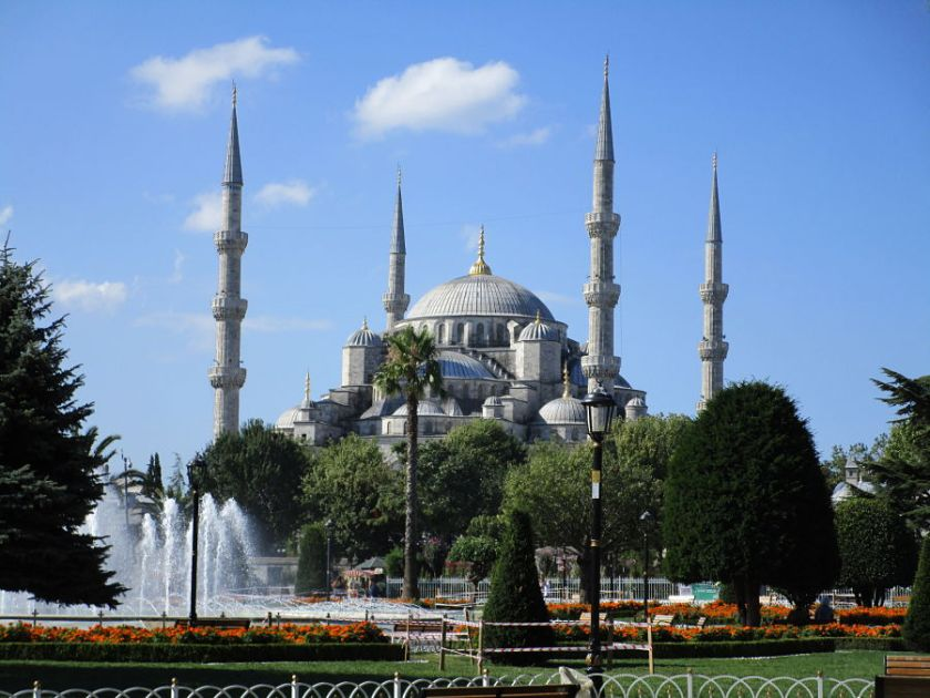 layover in istanbul-turkey-blue-mosque