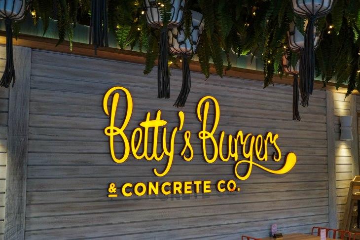 Bettys 2-1