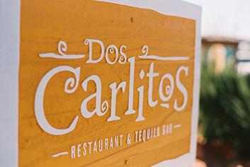 Dos Carlitos
