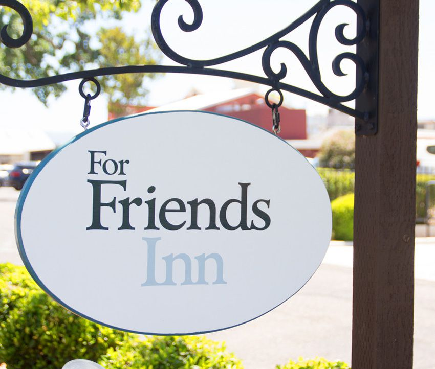 ForFriends Inn Road Sign