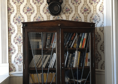 ForFriends Inn Bookcase